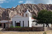 CAPILLA Y CERROS EN EL PARAJE SANTA ROSA, RUTA 40 CAMINO A ANGASTACO, QUEBRADA DE LAS FLECHAS,  PROVINCIA DE SALTA, ARGENTINA (PHOTO © MARCO GUOLI - ALL RIGHTS RESERVED)