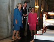 Her Majesty the queen has opend on June the 30th the exibition town hall of Orange, 350 years history  in the royal palace in Amsterdam. During the opening on 30 June an introduction is given by historian Geert mak, one the authors the catalogue which appears at the exibition.<br /> <br /> Hare Majesteit de Koningin heeft op donderdagmiddag 30 juni de tentoonstelling Stadhuis van Oranje , 350 jaar geschiedenis op de Dam in het Koninklijk Paleis in Amsterdam geopend. Tijdens de opening op 30 juni wordt een inleiding gehouden door Geert Mak, één van de auteurs van de catalogus die bij de tentoonstelling verschijnt.