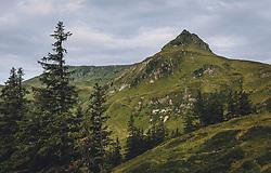 THEMENBILD - der Tristkogel mit 2.095 ist ein wunderbarer Aussichtsberg in den Kitzbühler Alpen in Salzburg. Er ist vom Talschluss Saalbach Hinterglemm in einer abwechslungsreichen Wanderung von gut drei Stunden zu erreichen, aufgenommen am 13. August 2020, Saalbach Hinterglemm, Österreich // the Tristkogel with 2.095 is a wonderful view mountain in the Kitzbühler Alps in Salzburg. It can be reached from the end of the valley Saalbach Hinterglemm in a varied hike of a good three hours on 2020/08/13, Saalbach Hinterglemm, Austria. EXPA Pictures © 2020, PhotoCredit: EXPA/ Stefanie Oberhauser