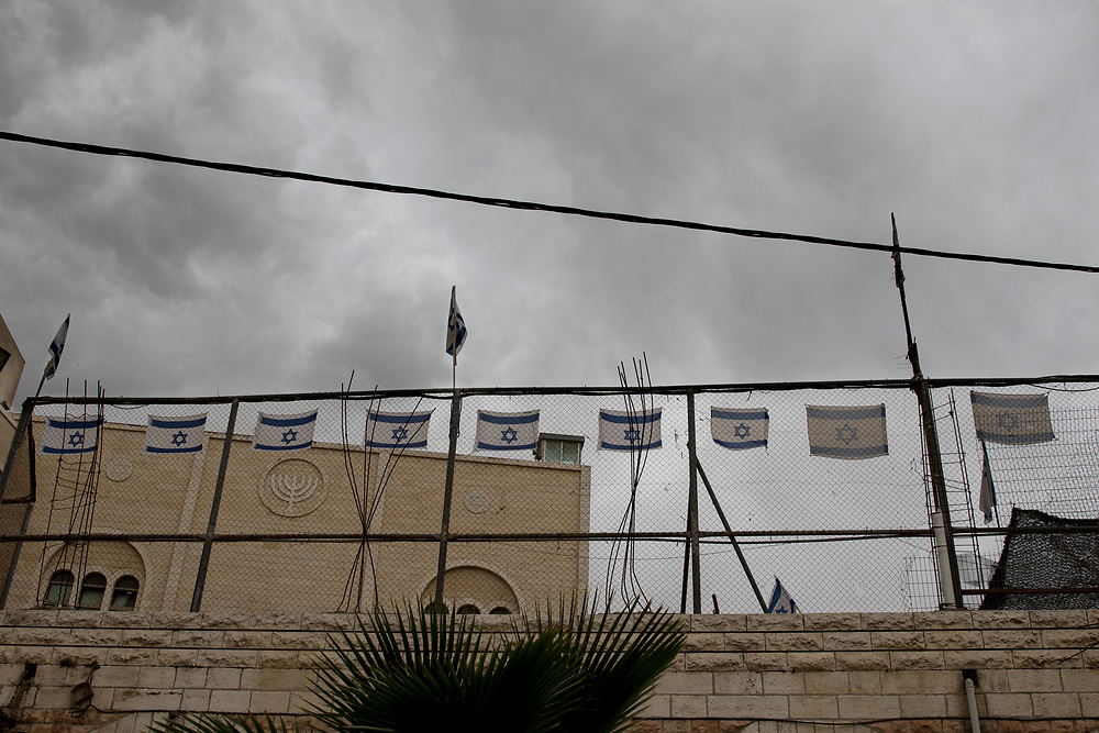 800 illegal Israeli settlers live in Hebron, often carrying out violent attacks on the Palestinian residents