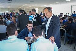 """O candidato a governador do Estado pela coligação """"O Rio Grande Merece Mais"""", Vieira da Cunha durante almoço com trabalhadores da indústria fumagera de Santa Cruz do Sul. FOTO: Jefferson Bernardes/ Agência Preview"""