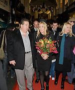 LAURENCE DAVIS; PATSY KENSIT , Patsy Kensit turns on Burlington Arcade Christmas Lights, Burlington Arcade, London, W1. 26 November 2008 *** Local Caption *** -DO NOT ARCHIVE -Copyright Photograph by Dafydd Jones. 248 Clapham Rd. London SW9 0PZ. Tel 0207 820 0771. www.dafjones.com