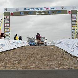 12-03-2021: Wielrennen: Healthy Ageing Tour: Wijster. <br />Peloton in actie slotetappe op de VAMberg. Jolien dHoore
