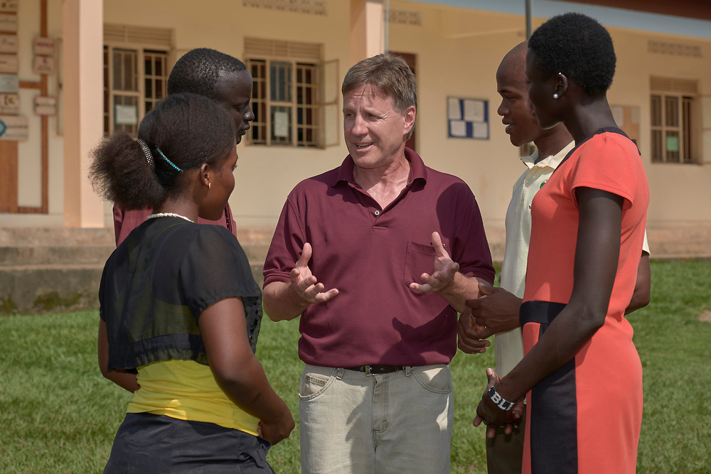 Gabe Hurrish (center) talks with students in the Solidarity Teacher Training College (STTC) in Yambio, South Sudan. The STTC is run by Solidarity with South Sudan, an international network of Catholic groups working to train teachers, health workers and pastoral agents throughout the African country. Hurrish, a Maryknoll lay missioner from the United States, is a member of Solidarity with South Sudan.
