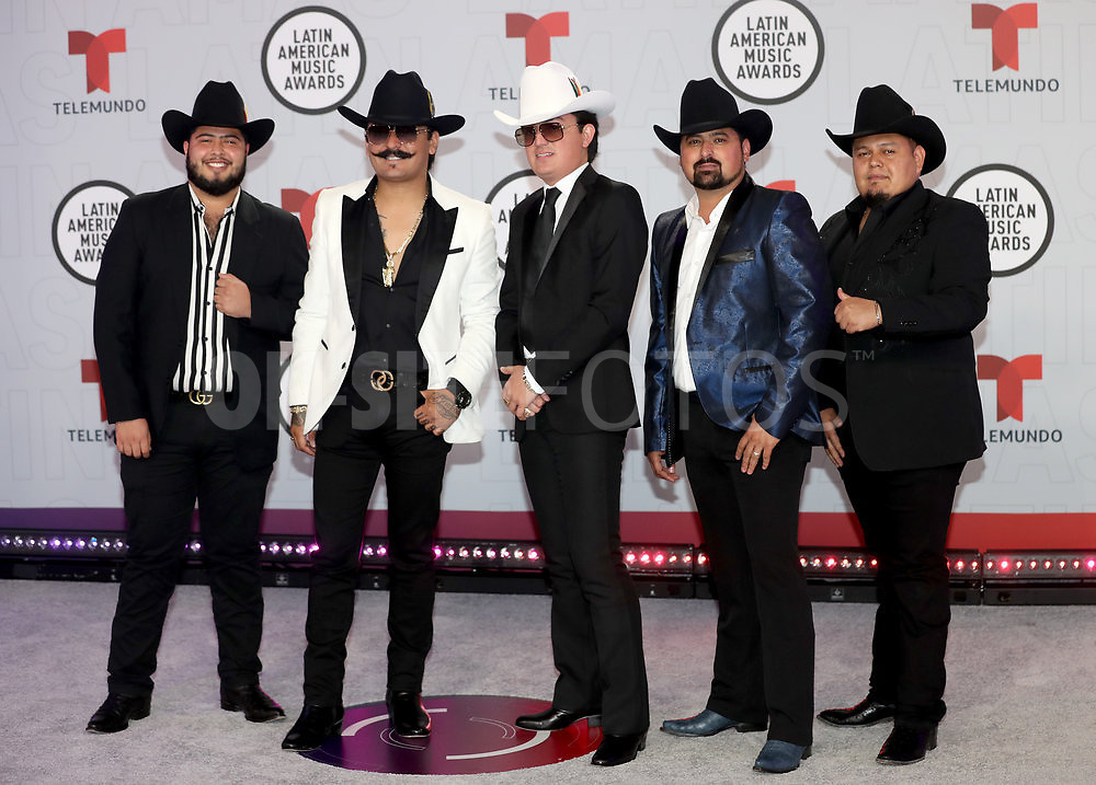 """2021 LATIN AMERICAN MUSIC AWARDS -- """"Red Carpet"""" -- Pictured: Musical group Los Dos Carnales at the BB&T Center in Sunrise, FL on April 15, 2021 -- (Photo by: Aaron Davidson/Telemundo)"""