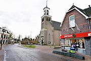 Nederland, Bronckhorst, 18-1-2018Beeld uit de gemente Bronckhorst. Het dorp Hummelo en de protestantse kerk. De Spar supermarkt is de enige winkel met posagentschap en ING bank.Foto: Flip Franssen