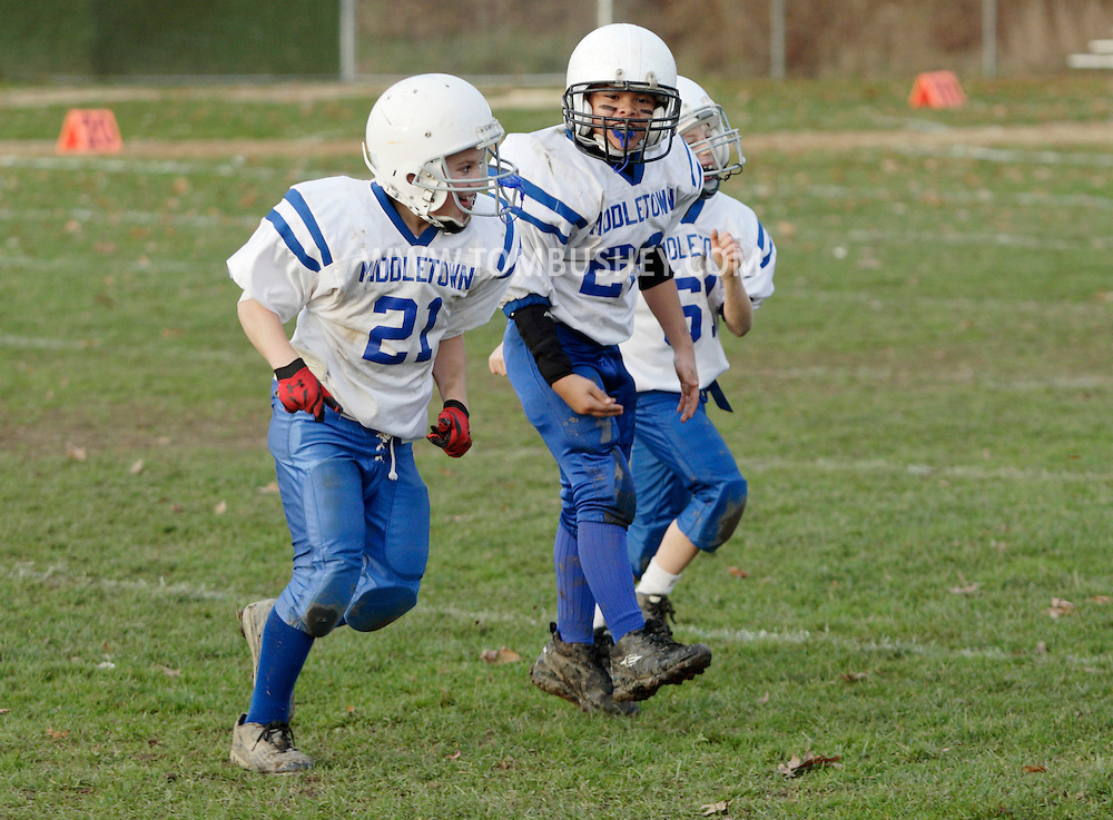 Middletown, NY - Middletown plays Wallkill in an Orange County Youth Football League Division 1 game on Nov. 14, 2009. Middletown won to advance to the Super Bowl.