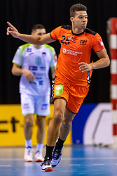 11-04-2019 NED: Netherlands - Slovenia, Almere<br /> Third match 2020 men European Championship Qualifiers in Topsportcentrum in Almere. Slovenia win 26-27 / Ephrahim Jerry  #25 of Netherlands