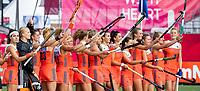 ANTWERPEN -  line up Oranje voor de  hockeywedstrijd  dames, Nederland-Spanje (1-1),   bij het Europees kampioenschap hockey.   COPYRIGHT KOEN SUYK