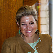 NLD/Driebergen/20140626 - Aankomst Konining Maxima en Koning Willem - Alexander bij uitreiking Groeicertificaten van het Oranje fonds<br /> <br /> Arrival of Queen Maxima and King Willem Alexander at the presentation of ceritficats of the Orange Foundation