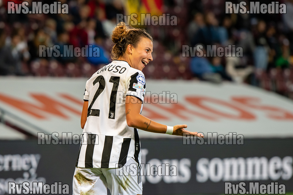 GENEVA, SWITZERLAND - OCTOBER 06: Arianna Caruso #21 of Juventus Women celebrates her goal during the UEFA Women's Champions League group A match between Servette FCCF and Juventus at Stade de Geneve on October 6, 2021 in Geneva, Switzerland. (Photo by Basile Barbey/RvS.Media)
