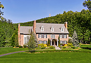 Beautiful Estate at the foot of Avon Mountain, Hublien Tower in Background