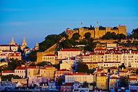 Portugal, Lisbonne, la ville et le Castelo Sao Jorge ou chateau Saint Georges // Portugal, Lisbon, city and Castelo Sao Jorge or Saint Georges Castle