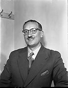 Captain J Murphy - Aer Lingus Sales Department<br /> 04/04/1957