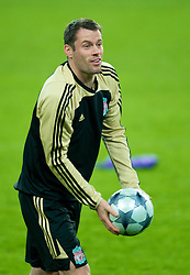 EINDHOVEN, THE NETHERLANDS - Monday, December 8, 2008: Liverpool's Jamie Carragher training at the Philips Stadium ahead of the final UEFA Champions League Group D mach against PSV Eindhoven. (Photo by David Rawcliffe/Propaganda)