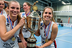 29-09-2018 NED: Supercup Sliedrecht Sport - Eurosped, Sliedrecht<br /> Sliedrecht takes the first price of the new season / Sarah van Aalen #9 of Sliedrecht Sport, Esther van Berkel #7 of Sliedrecht Sport