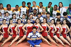 GUANGZHOU, June 20, 2017  Players of South Africa take photos with volunteers after the women's volleyball match against China at 2017 BRICS Games in Guangzhou, south China's Guangdong Province, June 20, 2017. (Credit Image: © Liang Xu/Xinhua via ZUMA Wire)