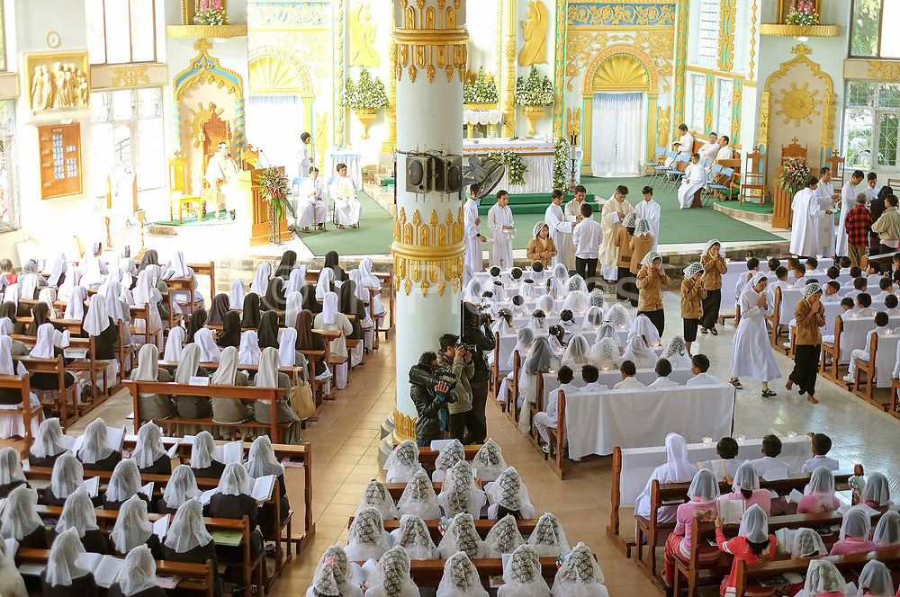 First Communion and Extraordinary Jubilee of Mercy at Christ the King Cathedral, Loikaw, Kayah State, Myanmar on 20th November 2016. In the past most people residing in Kayah State were traditional spirit worshippers, but significant numbers have converted to Christianity, especially Baptist or Catholic.