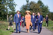TIJNJE, 17-09-2020 <br /> <br /> Streekbezoek van Koning Willem-Alexander en  Koningin Máxima aan Zuidoost-Fryslân waar het paar een bezoek bregen aan Kaasboerderij De Deelen / Toekomst van de agrariërs Gemeente Opsterland<br /> <br /> <br /> Regional visit of King Willem-Alexander and Queen Máxima to Southeast Fryslân