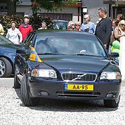 NLD/Loosdrecht/20120623 - Koningin Beatrix bezoekt vlootschouw nij het 100 jarig bestaan van watersportvereniging WNL  , Auto  van Koningin Beatrix