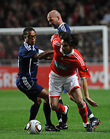 20100125: LISBON, PORTUGAL - 7th Charity Football Match against Poverty: SL Benfica All Stars vs Zidane & Kaka Friends. All the money rose from ticket sales and donations will go to the victims of Haiti Earthquake. In picture: Edgar Davids, Zidane and Nuno Gomes. PHOTO: Alvaro Isidoro/CITYFILES