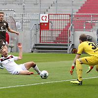 nph00001  17.05.2020 --- Fussball --- Saison 2019 2020 --- 2. Fussball - Bundesliga --- 26. Spieltag: FC Sankt Pauli - 1. FC Nürnberg ---  DFL regulations prohibit any use of photographs as image sequences and/or quasi-video - Only for editorial use ! --- <br /> <br /> Hanno Behrens (18, 1. FC Nürnberg ) verpasst Flanke <br /> <br /> Foto: Daniel Marr/Zink/Pool//via Kokenge/nordphoto