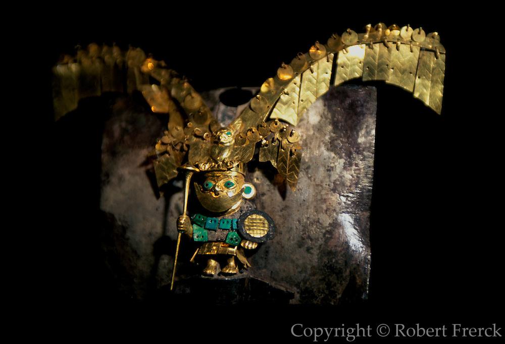 PERU, PREHISPANIC, GOLD Mochica; Lord of Sipan nose-ring