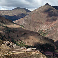 View on the landscape around the Inca Písac ruins.