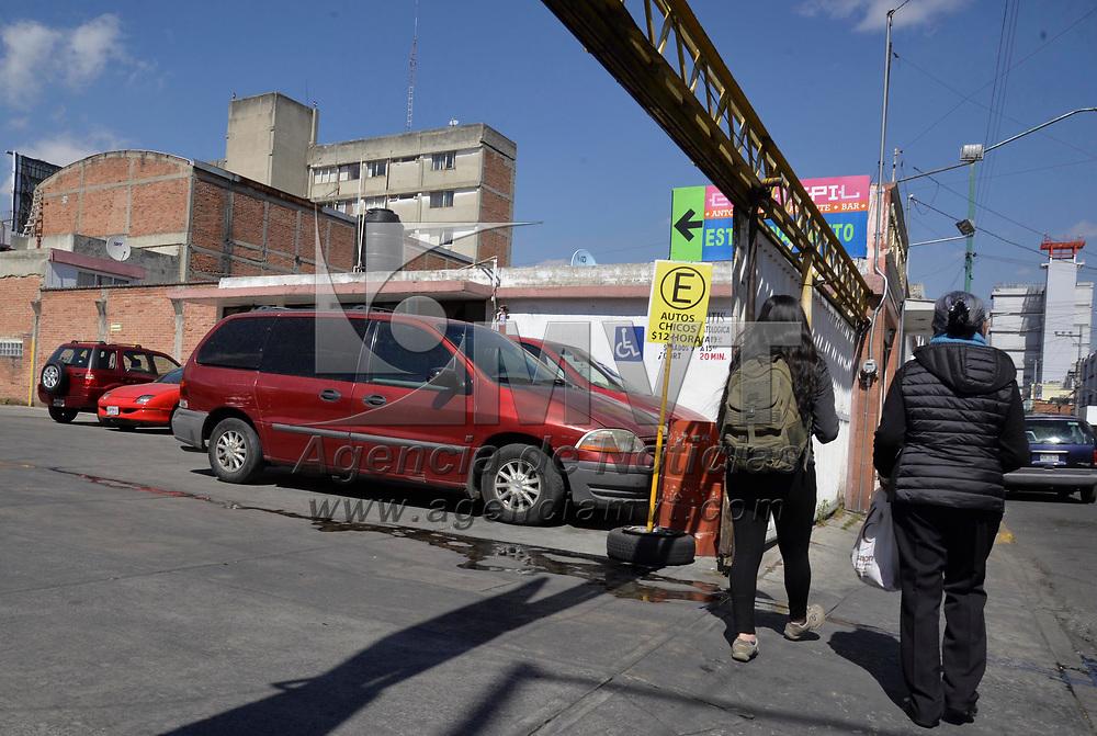 Toluca, México (Enero 20, 2018).- Aspectos de estacionamientos públicos en la ciudad de Toluca.  Agencia MVT / Crisanta Espinosa.