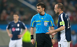 12.05.2010, Hamburg Arena, Hamburg, GER, UEFA Europa League Finale, Atletico Madrid vs Fulham FC im Bild Schiedsrichter Nicola Rizzoli, ITA und Danny Murphy, #13, Fulham FC, EXPA Pictures © 2010, PhotoCredit: EXPA/ J. Feichter / SPORTIDA PHOTO AGENCY