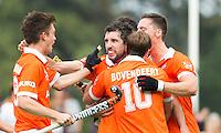BLOEMENDAAL - Russell Ford (m) heeft voor Bloemendaal gescoord tijdens de wedstrijd tussen de mannen van Bloemendaal en Oranje-Zwart (1-2). . Copyright Koen Suyk