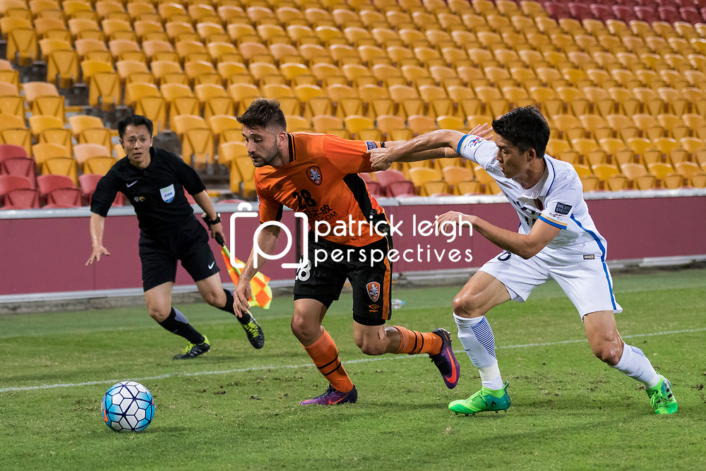 BRISBANE, AUSTRALIA - APRIL 12: Brandon Borrello of the Roar and Yamamoto Shuto of Kashima compete for the ball during the Asian Champions League Group Stage match between the Brisbane Roar and Kashima Antlers at Suncorp Stadium on April 12, 2017 in Brisbane, Australia. (Photo by Patrick Kearney/Brisbane Roar)