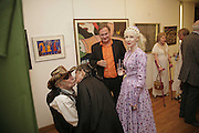 JAMES BIRCH AND PINKIETESSA, Celebrating George Melly at 80: Aspects of his Collection. The Mayor Gallery. Cork St. London. 17 August 2006. ONE TIME USE ONLY - DO NOT ARCHIVE  © Copyright Photograph by Dafydd Jones 66 Stockwell Park Rd. London SW9 0DA Tel 020 7733 0108 www.dafjones.com