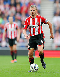 Lee Cattermole of Sunderland in action - Photo mandatory by-line: Rogan Thomson/JMP - 07966 386802 - 27/08/2014 - SPORT - FOOTBALL - Sunderland, England - Stadium of Light - Sunderland v Swansea City - Barclays Premier League.