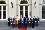 Het nieuwe kabinet Rutte III op het bordes van Paleis Noordeinde. (L-R voor) Halbe Zijlstra (minister van Buitenlandse Zaken), vicepremier Kajsa Ollongren (minister van Binnenlandse Zaken en Koninkrijksrelaties), premier Mark Rutte (minister van Algemene Zaken), koning Willem-Alexander, vicepremier Hugo de Jonge (Minister van Volksgezondheid, Welzijn en Sport), vicepremier Carola Schouten (minister van Landbouw, Voedselveiligheid en Regio) en Ferdinand Grappenhaus (minister van Justitie). (L-R achter) Arie Slob (minister van Onderwijs, Cultuur en Wetenschap), Sigrid Kaag (minister van Buitenlandse Handel en Ontwikkelingssamenwerking), Eric Wiebes (minister van Economische Zaken en Klimaat), Ank Bijleveld (minister van Defensie), Ingrid Engelshoven (minister van Onderwijs, Cultuur en Wetenschappen), Wopke Hoekstra (minister van Financien), Cora van Nieuwenhuizen (minister van Infrastructuur en Milieu), Wouter Koolmees (minister Sociale Zaken), Wouter Koolmees (minister Sociale Zaken) en Bruno Bruins (minister voor Medische Zorg).<br /> <br /> The new cabinet Rutte III on the borders of Noordeinde Palace. (LR) Halbe Zijlstra (Foreign Minister), Deputy Prime Minister Kajsa Ollongren (Minister of the Interior and Kingdom Relations), Prime Minister Mark Rutte (General Secretary), King Willem-Alexander, Deputy Prime Minister Hugo de Jonge (Minister of Health, Welfare and Sport), Deputy Prime Minister Carola Schouten (Minister of Agriculture, Food Safety and Regional Affairs) and Ferdinand Grappenhaus (Minister of Justice). (Minister for Education, Culture and Science), Sigrid Kaag (Minister for Foreign Trade and Development Cooperation), Eric Wiebes (Minister for Economic Affairs and Climate), Ank Bijleveld (Minister of Defense), Ingrid Engelshoven Wopke Hoekstra (Minister of Finance), Cora van Nieuwenhuizen (Minister of Infrastructure and Environment), Wouter Koolmees (Minister of Social Affairs), Wouter Koolmees (Minister of Social Affairs) and Bruno Bruins (Minister fo