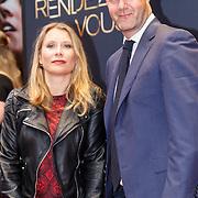 NLD/Amsterdam/20150601 - Premiere Rendez-vous, Elle van Rijn op krukken en partner Nicola Villa