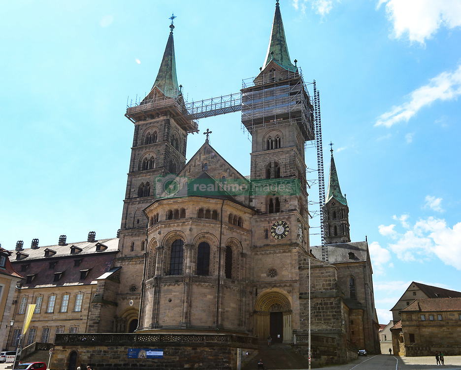 April 17, 2018 - Bamberg, Bavaria, Germany - The dome is seen on a sunny and hot spring day in Bamberg, Northern Bavaria, Germany. The in Germany will be close to 30 degrees Celsius the next days. (Credit Image: © Alexander Pohl/NurPhoto via ZUMA Press)