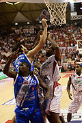 DESCRIZIONE : Pistoia Lega serie A 2013/14 Giorgio Tesi Group Pistoia Banco Di Sardegna Sassari<br /> GIOCATORE : Thomas Omar<br /> CATEGORIA : tagliafuori<br /> SQUADRA : Banco Di Sardegna Sassari<br /> EVENTO : Campionato Lega Serie A 2013-2014<br /> GARA : Giorgio Tesi Group Pistoia Banco Di Sardegna Sassari<br /> DATA : 02/02/2014<br /> SPORT : Pallacanestro<br /> AUTORE : Agenzia Ciamillo-Castoria/M.Greco<br /> Galleria : Lega Seria A 2013-2014<br /> Fotonotizia : Pistoia Lega serie A 2013/14 Giorgio Tesi Group Pistoia Banco Di Sardegna Sassari<br /> Predefinita :
