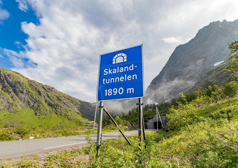 Skalandtunnelen er en 1894 meter lang tunnel i Berg kommune i Troms. Den er går gjennom Stormoa (Senjas nest høyeste fjell) og er en del av fylkesvei 862.
