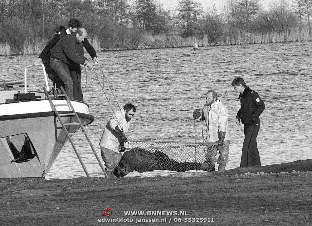 Lichaam gevonden in het  Gooimeer bij Naarden, zou later een zelfdoding blijken te zijn
