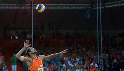 20150705 NED: WK Beachvolleybal day 10, Den Haag<br /> Reinder Nummerdor #1 (foto) en Christiaan Varenhorst #2 zijn er niet in geslaagd de finale van de WK beachvolleybal te winnen. In de finale waren de Brazilianen met 2-1 te sterk /