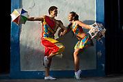 Olinda_PE, 10 de Setembro de 2012<br /> <br /> Dupla de frevo no Centro Historico de Olinda.<br /> <br /> Bailarinos Bruna Renata e Jose Lopes.<br /> <br /> Foto: LEO DRUMOND / NITRO