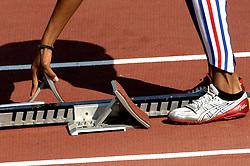 08-08-2006 ATLETIEK: EUROPEES KAMPIOENSSCHAP: GOTHENBORG <br /> Schoenen , spikes Asics, atletiek item startblok<br /> ©2006-WWW.FOTOHOOGENDOORN.NL