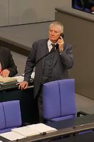 25 SEP 2003, BERLIN/GERMANY:<br /> Otto Schily, SPD, Bundesinnenminister, telefoniert, waehrend der Bundestagsdebatte zu den Ergebnissen der Europäischen Bildungsministerkonferenz, Plenum, Deutscher Bundestag<br /> IMAGE: 20030925-01-030<br /> KEYWORDS: Telefon, phone,