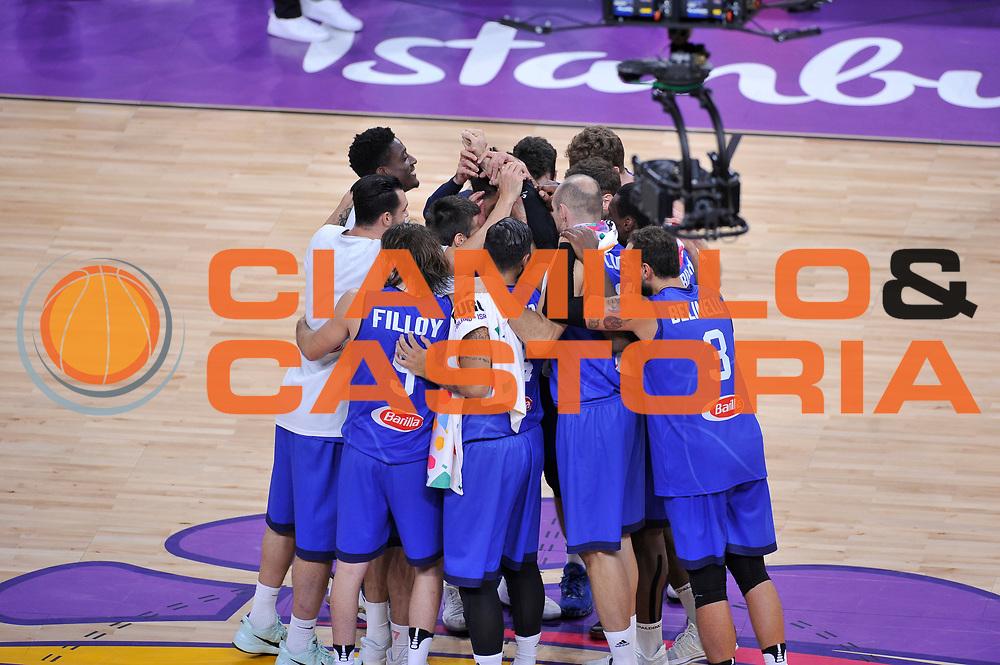Esultanza italia<br /> Nazionale Italiana Maschile Senior<br /> Eurobasket 2017 - Final Phase - Round of 16<br /> Finlandia Italia Finland Italy<br /> FIP 2017<br /> Istanbul, 09/09/2017<br /> Foto GiulioCiamillo / Ciamillo - Castoria