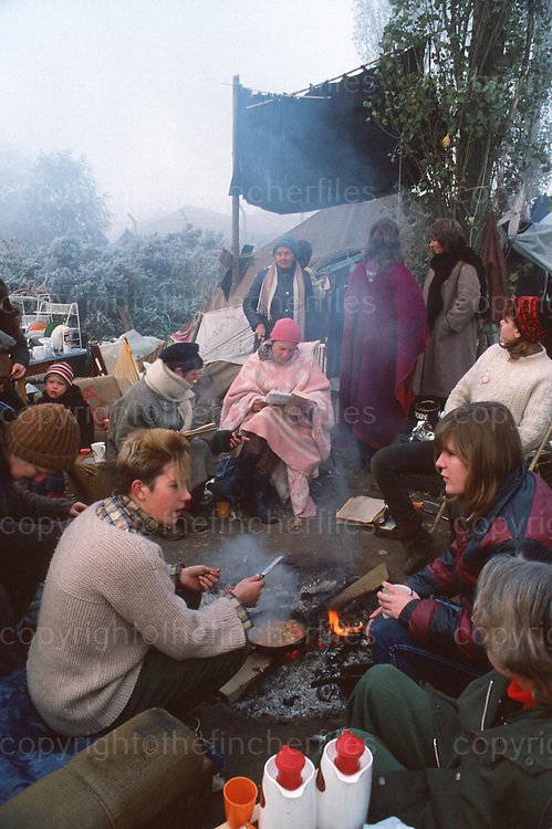 women,female,feminist,protest,protestors,campaigners,demonstrate,camp,camping,nuclear,cold,fire,campfire