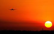 Mar 5, 2007: A Boeing 757 on approach to Palm Beach International Airport in West Palm Beach, FL.
