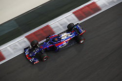 November 23, 2018 - Abu Dhabi, United Arab Emirates - Motorsports: FIA Formula One World Championship 2018, Grand Prix of Abu Dhabi, World Championship;2018;Grand Prix;Abu Dhabi,  , #28 Brendon Hartley (NZL Toro Rosso, Ferrari) (Credit Image: © Hoch Zwei via ZUMA Wire)