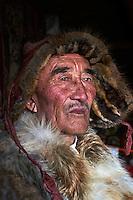 Mongolie, province de Bayan-Olgii, Ydyrysh, chasseur à l'aigle Kazakh // Mongolia, Bayan-Olgii province, Kazakh eagle hunter