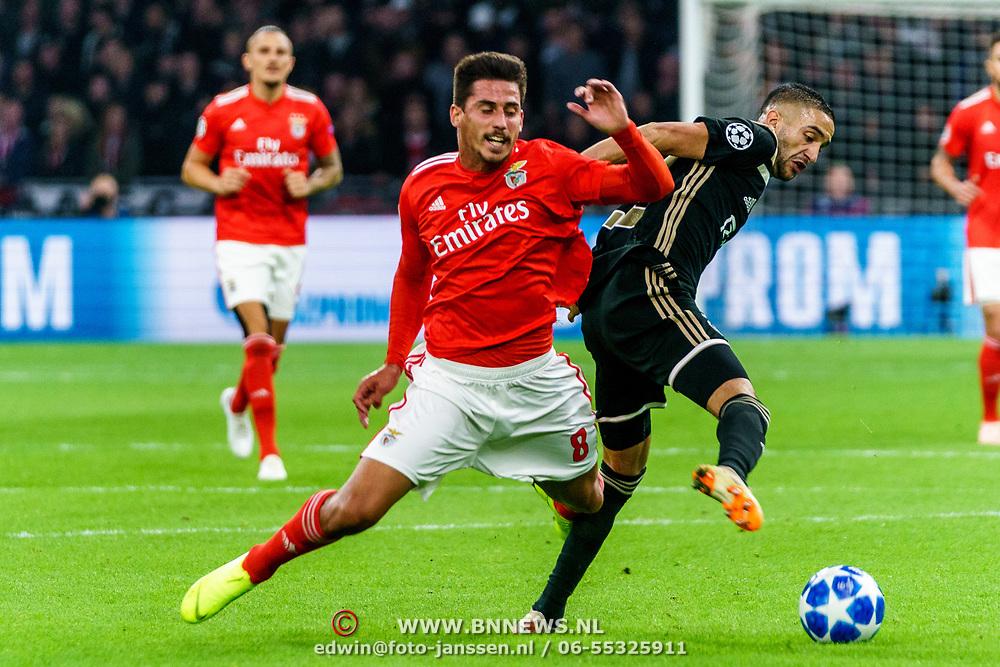 NLD/Amsterdam/20181023 - Champions Leaguewedstrijd  Ajax - SL Benfica, nr.8 Gabriel en nr. 22 Hakim Ziyech